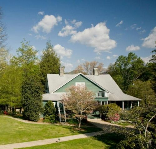 Tryon Bed and Breakfast | 1906 Pine Crest Inn